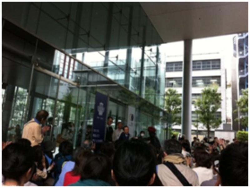 koide greets hundreds - The Truth About Nuclear Power: